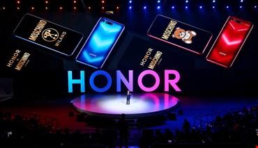 Moschino lancia lo smartphone con Huawei