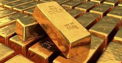 L'oro vola a 1.929 dollari, è record storico