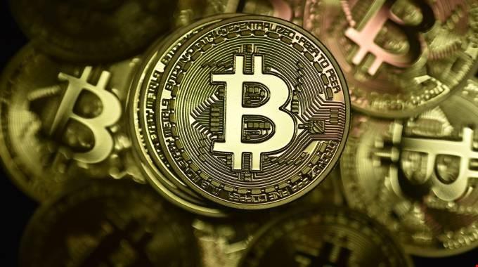 maledizione bitcoin)